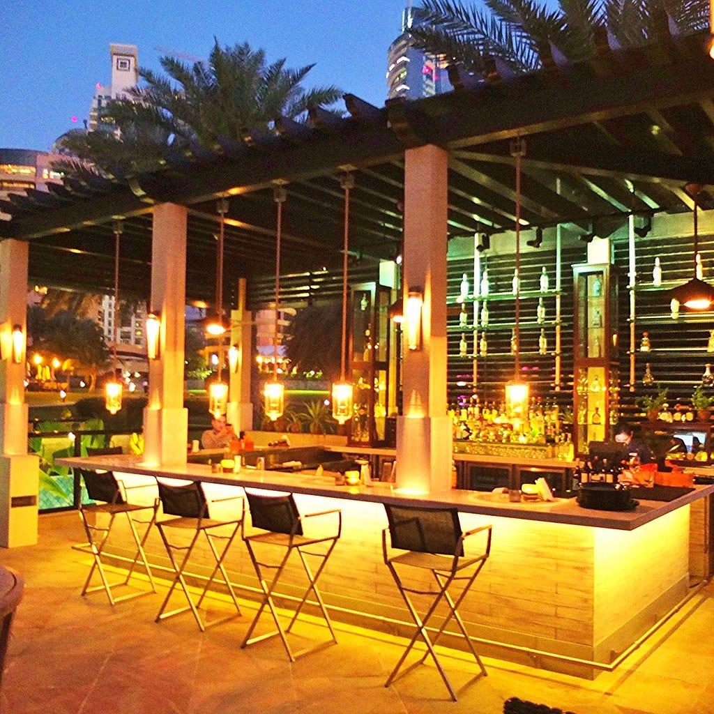 6 Inspirational Outdoor Kitchen Bar Ideas For This Summer on Backyard Bar Ideas id=97032