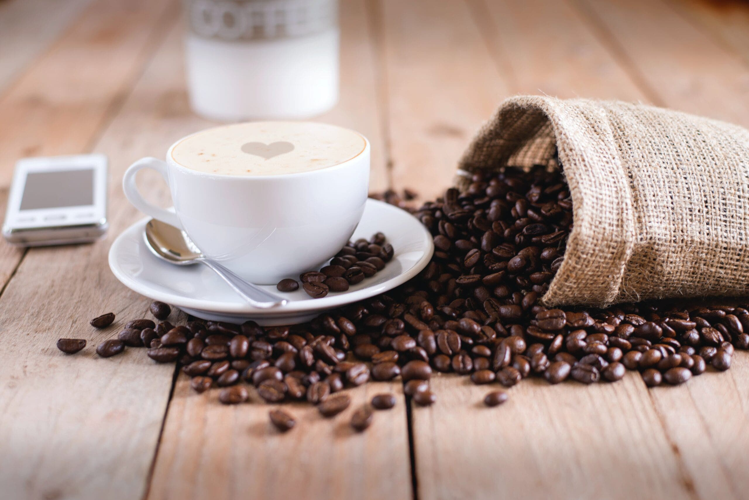6 Ways to Grind Coffee Beans Without a Grinder (Anyone Can Do It!)