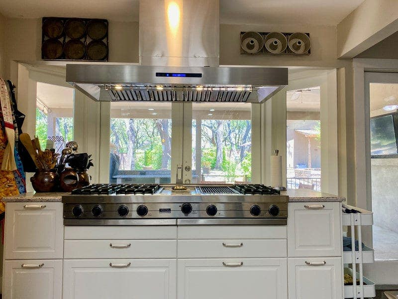 Can you leave a kitchen exhaust fan on?